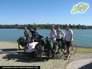 Parada para a foto da saída para Sele Lagoas com a turma do Nova Origem.