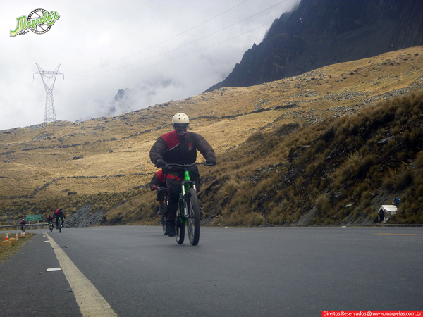 south-american-epic-2015-tour-tda-global-cycling-magrelas-cycletours-cicloturismo-the-death-road-estrada-da-morte-000050