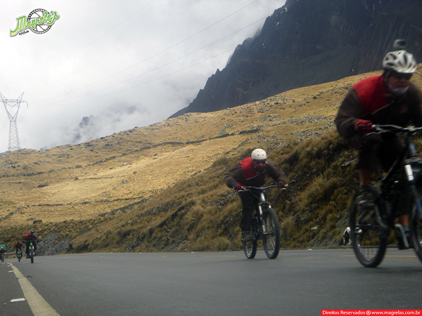 south-american-epic-2015-tour-tda-global-cycling-magrelas-cycletours-cicloturismo-the-death-road-estrada-da-morte-000051