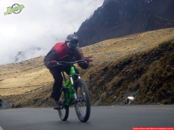 south-american-epic-2015-tour-tda-global-cycling-magrelas-cycletours-cicloturismo-the-death-road-estrada-da-morte-000052