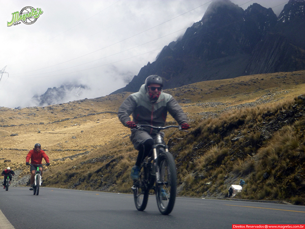 south-american-epic-2015-tour-tda-global-cycling-magrelas-cycletours-cicloturismo-the-death-road-estrada-da-morte-000054