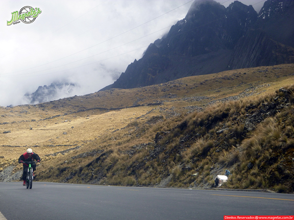 south-american-epic-2015-tour-tda-global-cycling-magrelas-cycletours-cicloturismo-the-death-road-estrada-da-morte-000055