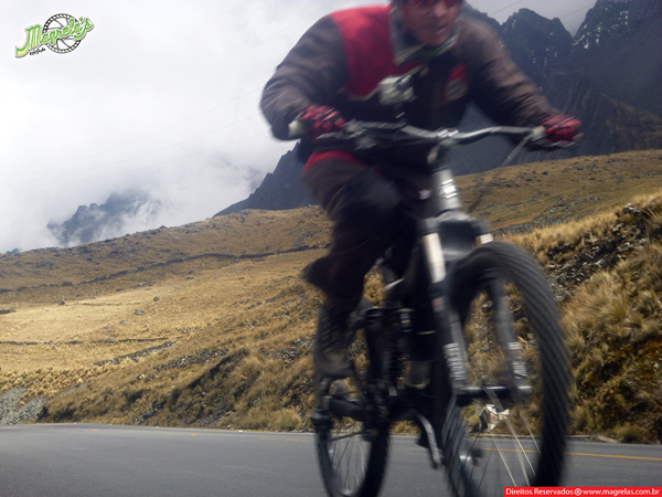 south-american-epic-2015-tour-tda-global-cycling-magrelas-cycletours-cicloturismo-the-death-road-estrada-da-morte-000057