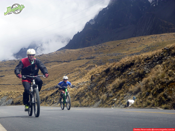 south-american-epic-2015-tour-tda-global-cycling-magrelas-cycletours-cicloturismo-the-death-road-estrada-da-morte-000058