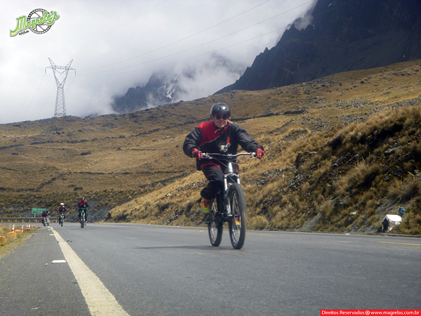 south-american-epic-2015-tour-tda-global-cycling-magrelas-cycletours-cicloturismo-the-death-road-estrada-da-morte-000060