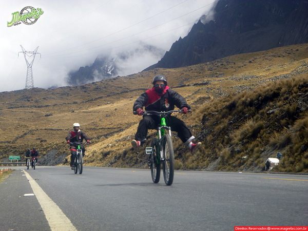 south-american-epic-2015-tour-tda-global-cycling-magrelas-cycletours-cicloturismo-the-death-road-estrada-da-morte-000061