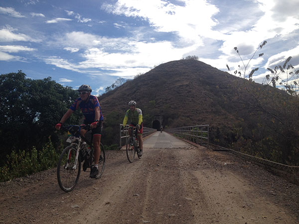 south-american-epic-2015-tour-tda-global-cycling-magrelas-cycletours-cicloturismo-000649