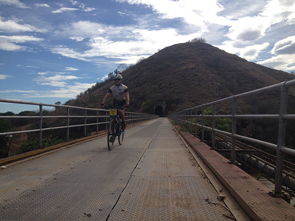 south-american-epic-2015-tour-tda-global-cycling-magrelas-cycletours-cicloturismo-000651