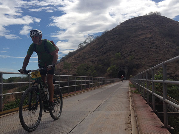 south-american-epic-2015-tour-tda-global-cycling-magrelas-cycletours-cicloturismo-000681