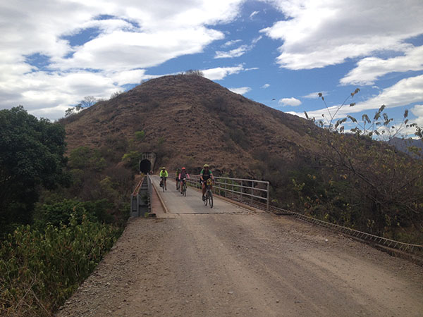 south-american-epic-2015-tour-tda-global-cycling-magrelas-cycletours-cicloturismo-000697