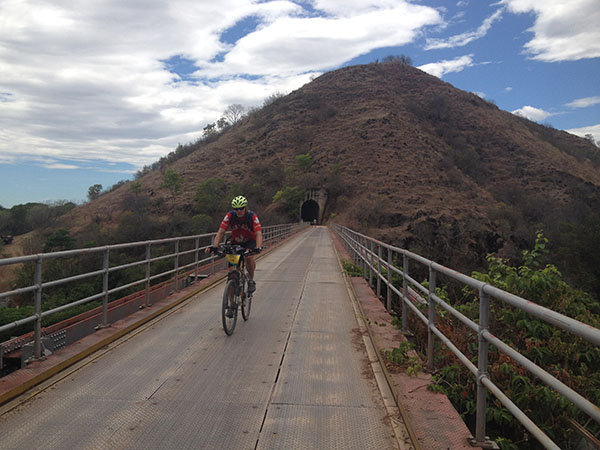 south-american-epic-2015-tour-tda-global-cycling-magrelas-cycletours-cicloturismo-000701